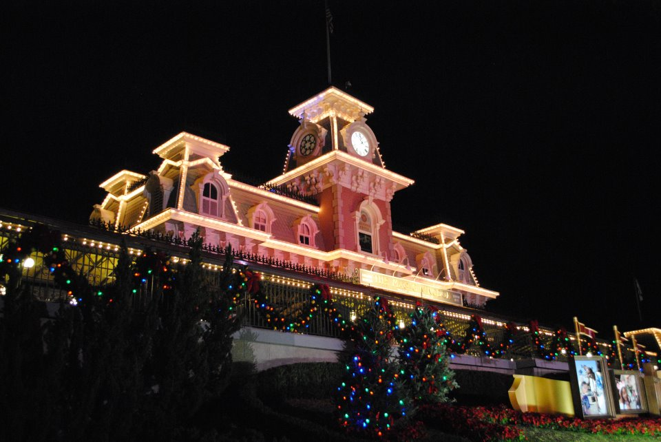 as i wrote the review of mickeys very merry christmas party - Mickeys Very Merry Christmas Party Reviews