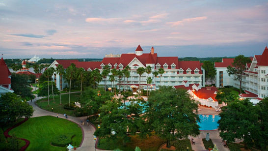 grand-floridian-resort-and-spa-2-bedroom-suite-main-building-club-level-gallery07